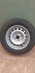Roda com pneu aro 15