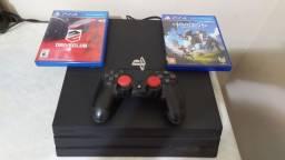 Playstation 4 Pro + 2 Games