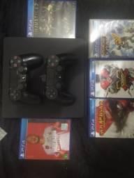 PS4, 500gb, 2 controles, 5 jogos