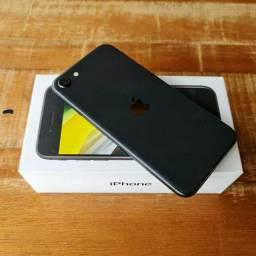 Iphone SE 2020 64gb caixa carregador nota garantia aceito cartão/celular como pagto