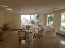 Casa duplex com 5 quartos, closet, piscina e 4 vagas na Ilha do Boi - ES