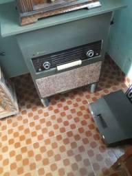 Radio vitrola antiga Philips