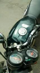 Vendo moto ybr 125