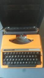 Máquina de escrever Silver Reed - 100