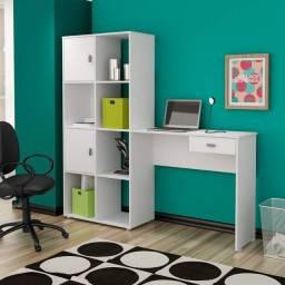 Mesa escrivaninha branca com estante