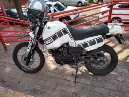Moto Ténéré 600