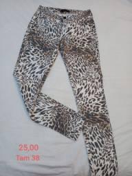 Calças femininas tamanho P e 38