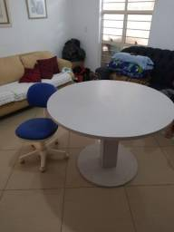 Super mesa e cadeira