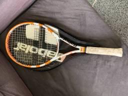 Raquete de tênis usada
