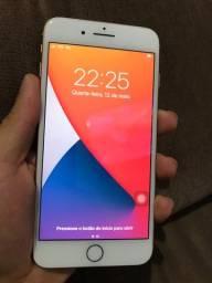 iPhone 8 Plus 64g Gold