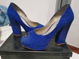 Sapato azul tamanho 35