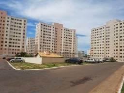 Alugo apartamento no Cond. Parque Clube I