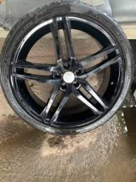 Jogo de rodas 245/35ZR 20 com pneus semi novos