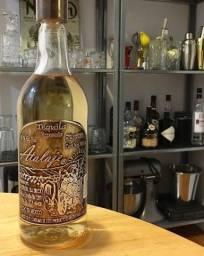 Tequila mexicana reposado Atalaje