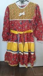 R$ 45 Vestido infantil de festa junina
