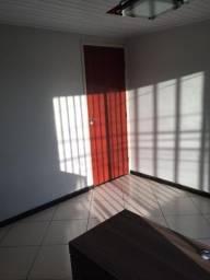 Alugo apartamento no BNH