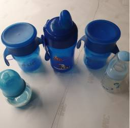 Kit de mamadeiras azuis