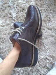 Sapato Masculino Tam 40 Couro Bovino Marrom escuro usado pocas vezes