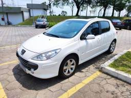 Oportunidade - Peugeot 307 Premium 2.0 16V Flex 143cv em perfeito estado