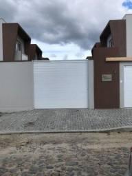 Aluga-se casa duplex em condomínio no bairro Guajiru