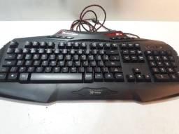 Teclado gamer Xfire Ogum com Led