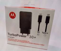 Carregador turbo para celular com conexão tipo micro USB