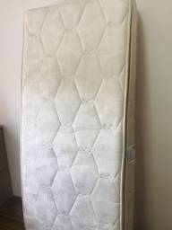 Colchão de solteiro de molas, com pillowtop de espuma