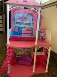 Casa de férias da Barbie com peças inclusas
