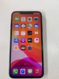 Vendo um IPhone 11 Pro Max 256gb