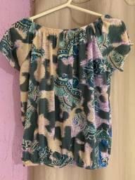 Blusa estampada impecável
