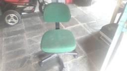 Cadeira secretária giratória cor verde