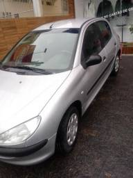 Carro Peugeot - 2008