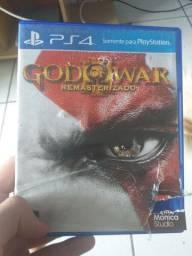 God of war 3 remasterizado e God of war 4