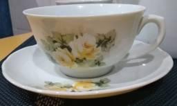 Conj xicaras de porcelana para chá/café com 17 peças (usadas)