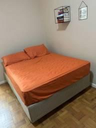Vendo cama box casal, acompanhada de nota fiscal.