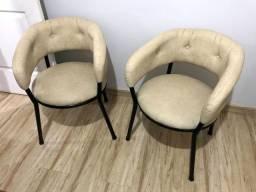 2 Cadeira de Ferro Estofadas