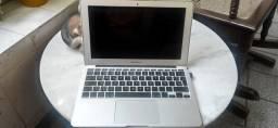 Macbook Air 2011, 11 polegadas -- Ler a Descrição.
