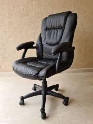 Cadeira presidente em couro