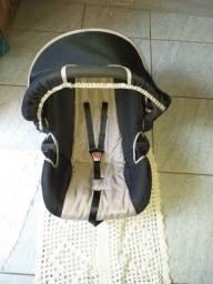 Vendo um bebê conforto novo sem nenhum detalhe