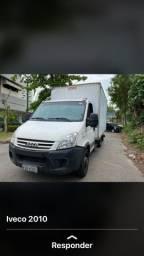 Caminhão Renault Master Bau