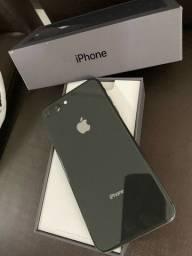 Iphone 8, PLUS, 64GB. Cor: Preto. Aparelho usado, mas impecável !!!