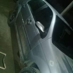 Vendo este carro valor 15500