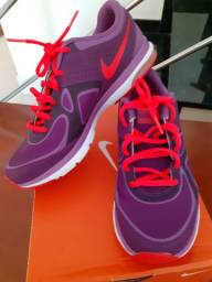Tênis Nike Feminino Original ( Aceito Cartão )