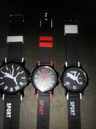 Vendo relógios barato pra torrar estoque ,vejam fotos da maquina !
