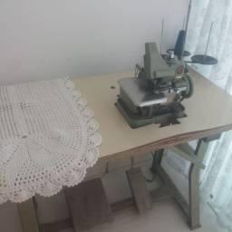 Máquina de costura chinesinha e interlock
