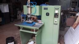 Máquina de soldar lona por radiofrequência (Politron)
