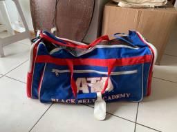 Equipamento para lutas com mochila