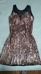 Vestido bordado em lantejoulas