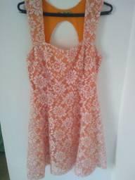 Vestido rendado laranja. P/M