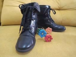 Linda bota N. 34 - pouco usada